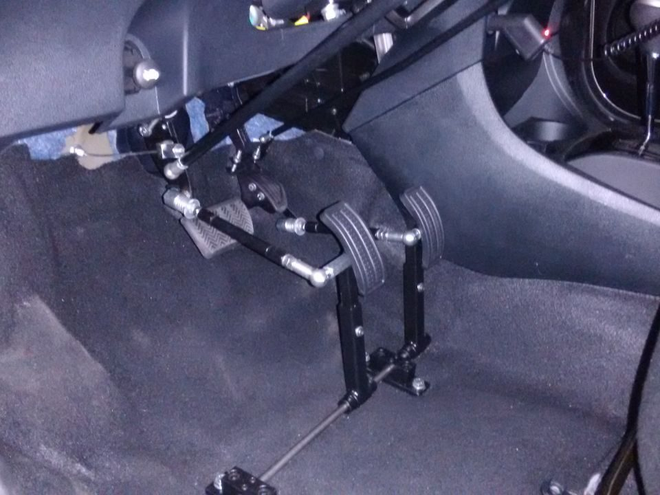 A Hand Drive realiza venda e instalação do kit nanismo ou prolongadores de pedais